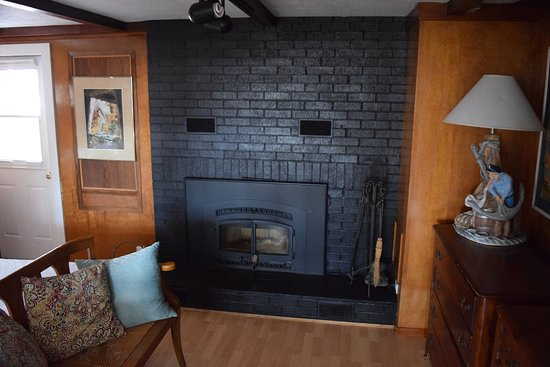 fireplace in small bedroom