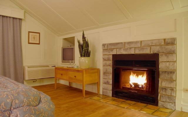 Bellevue Fireplace Best Of Auberge Des 3 Canards In La Malbaie Canada From 104