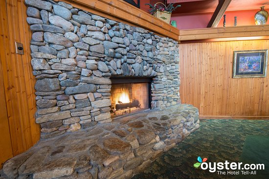 private dining room fireplace