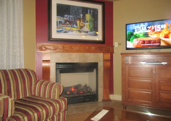 tv front room vino bello