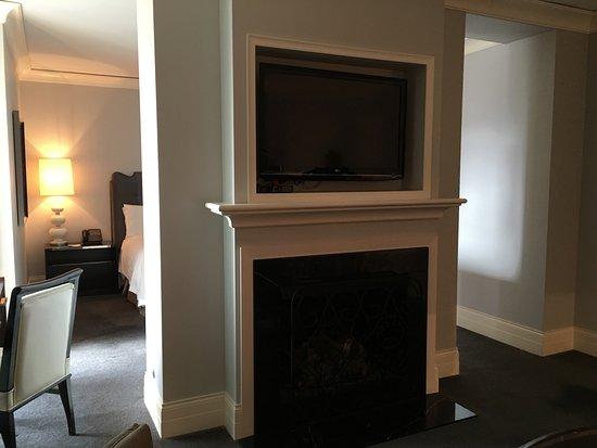 room 1508 living room
