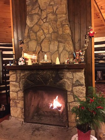 Fireplace Log Grate Fresh Heavy Grate In the Stone Fireplace Picture Of Parker Dam