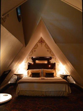 carleton suite has a