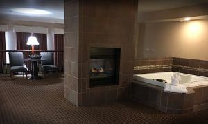 15 Elegant Hotels with Fireplace and In Room Jacuzzi Near Me