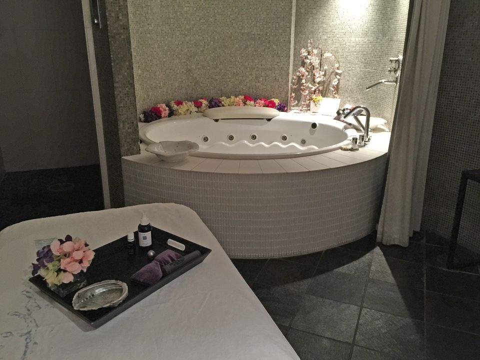 11 kohler spa bath 56a4c2935f9b58b7d0d8c52c