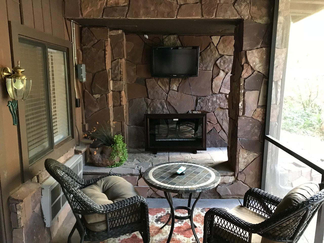 room 21s enclosed patio