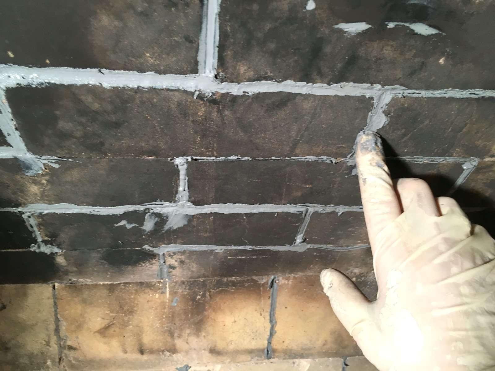 7 smooth caulk in fireplace joints 583c f9b58d5b12a7ce1 JPG