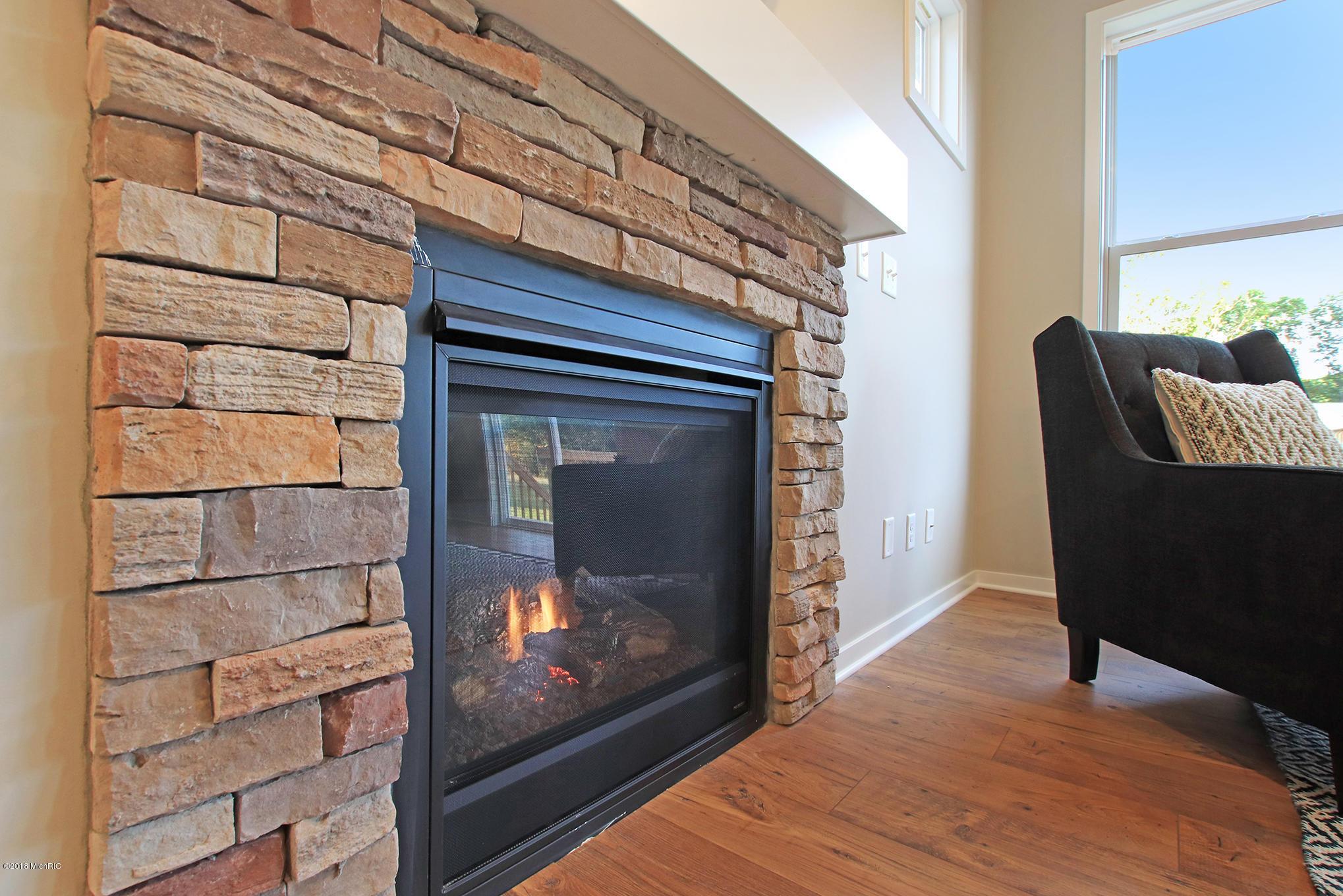 Ferguson Fireplace Lovely 597 Lazy Oak Trail 42 Holland Mi Century 21 White