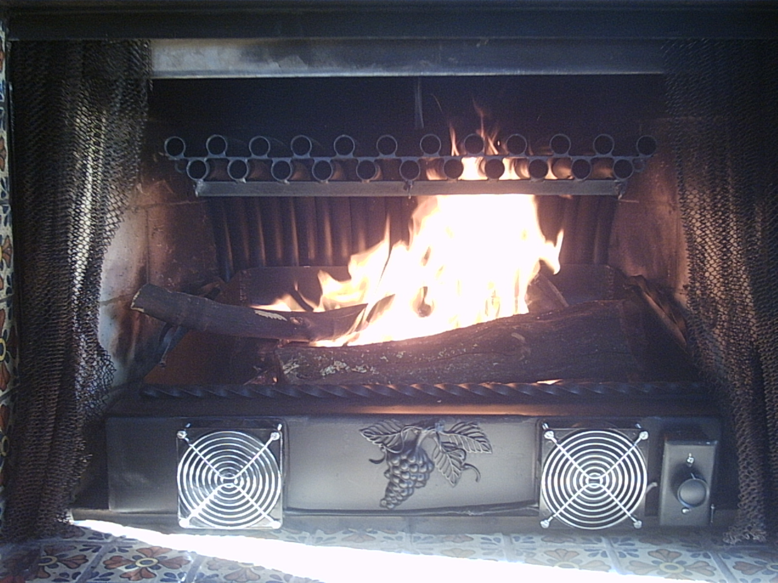 2 row grate heater with ash tray
