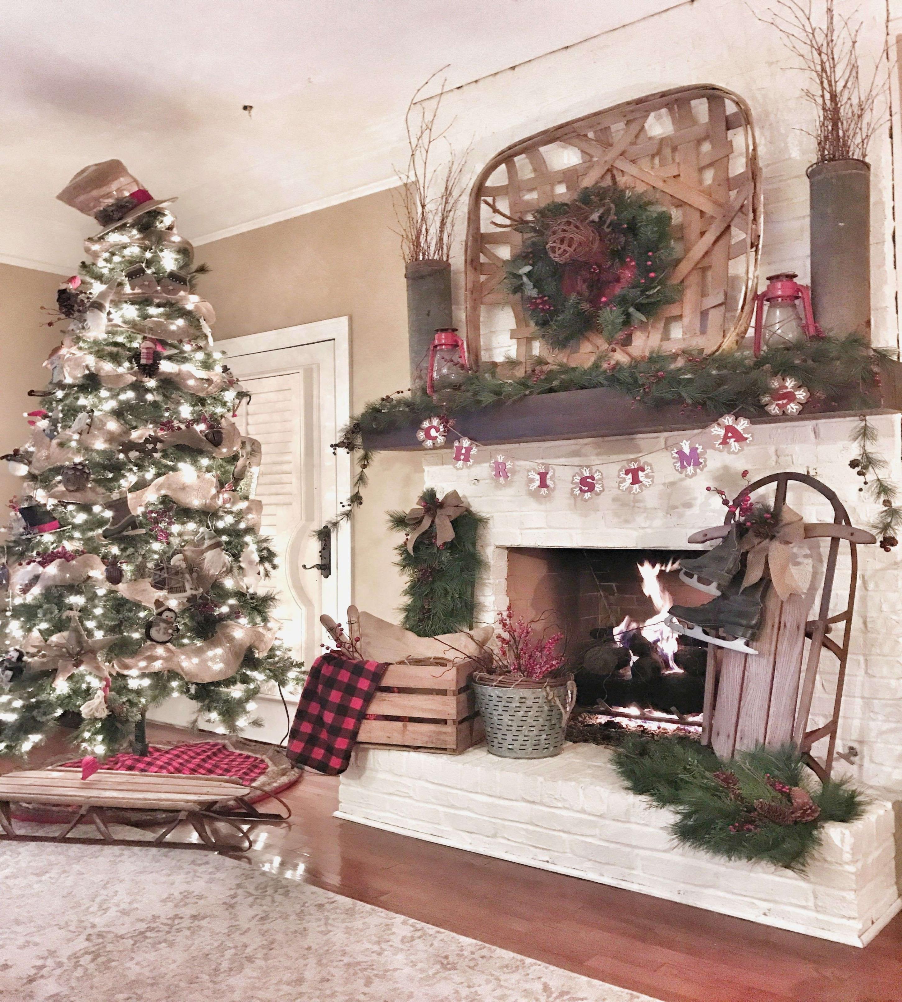 Fireplace ornaments Inspirational Christmas Decorators Luxe Millionnaire
