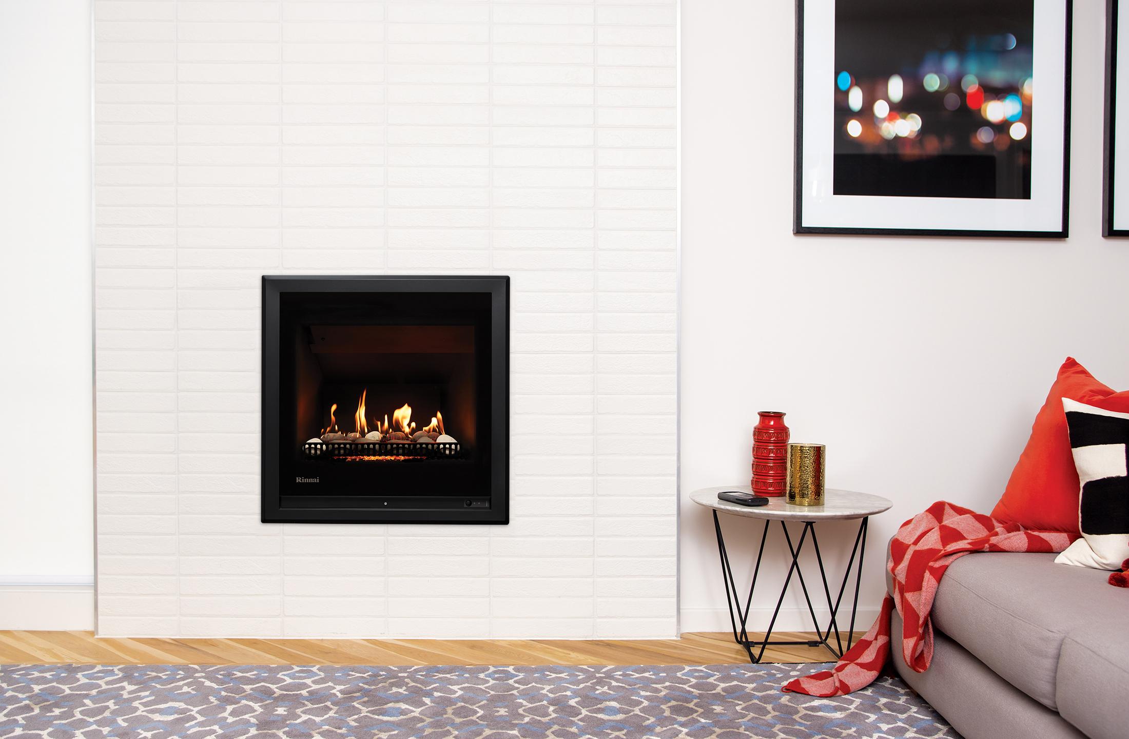 ember 600 black 4 sided frame on a white brick wall ra image 1