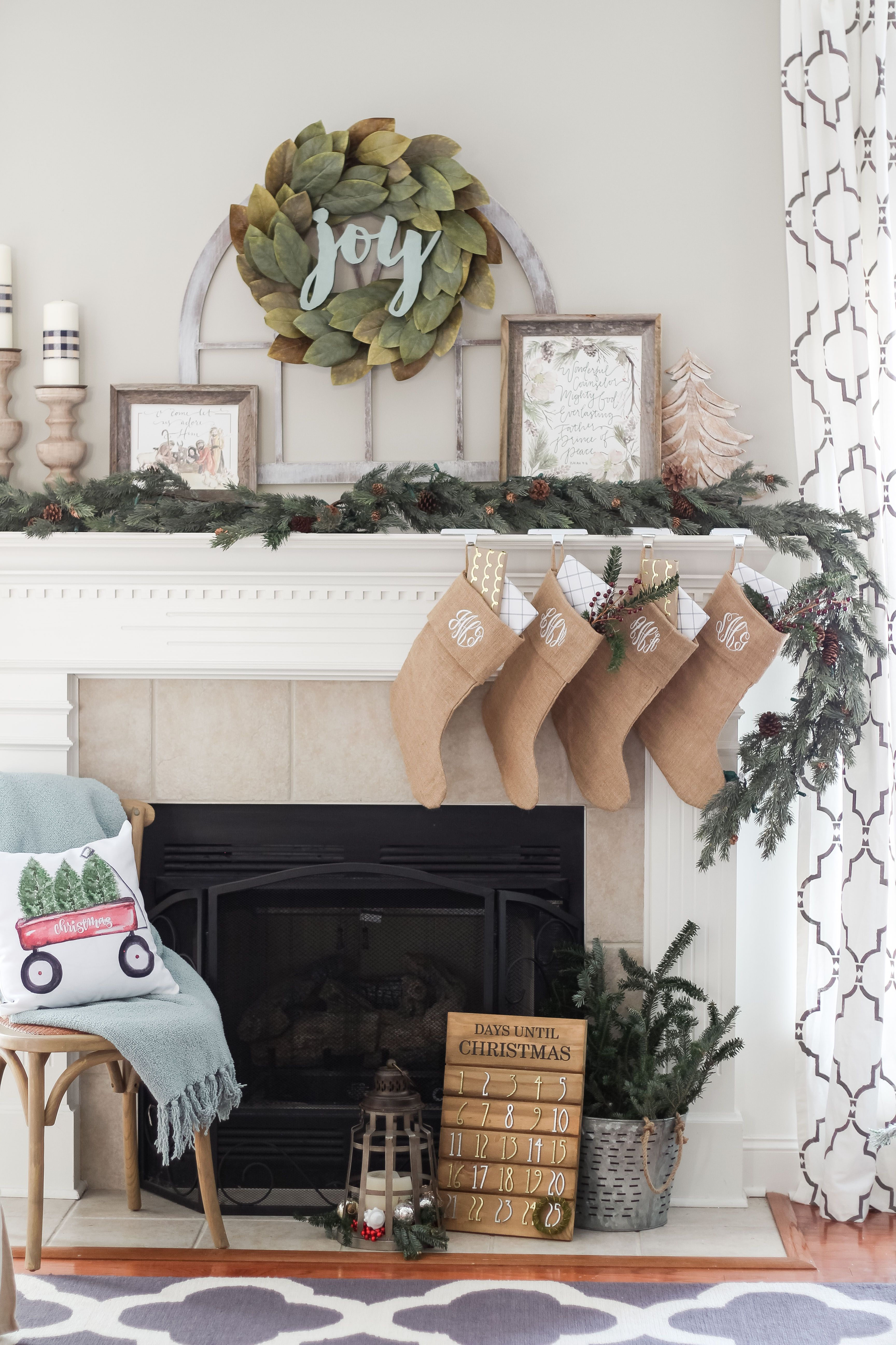 christmas mantel ideas magnolia wreath christmas mantel decor ctheturquoisehome 22