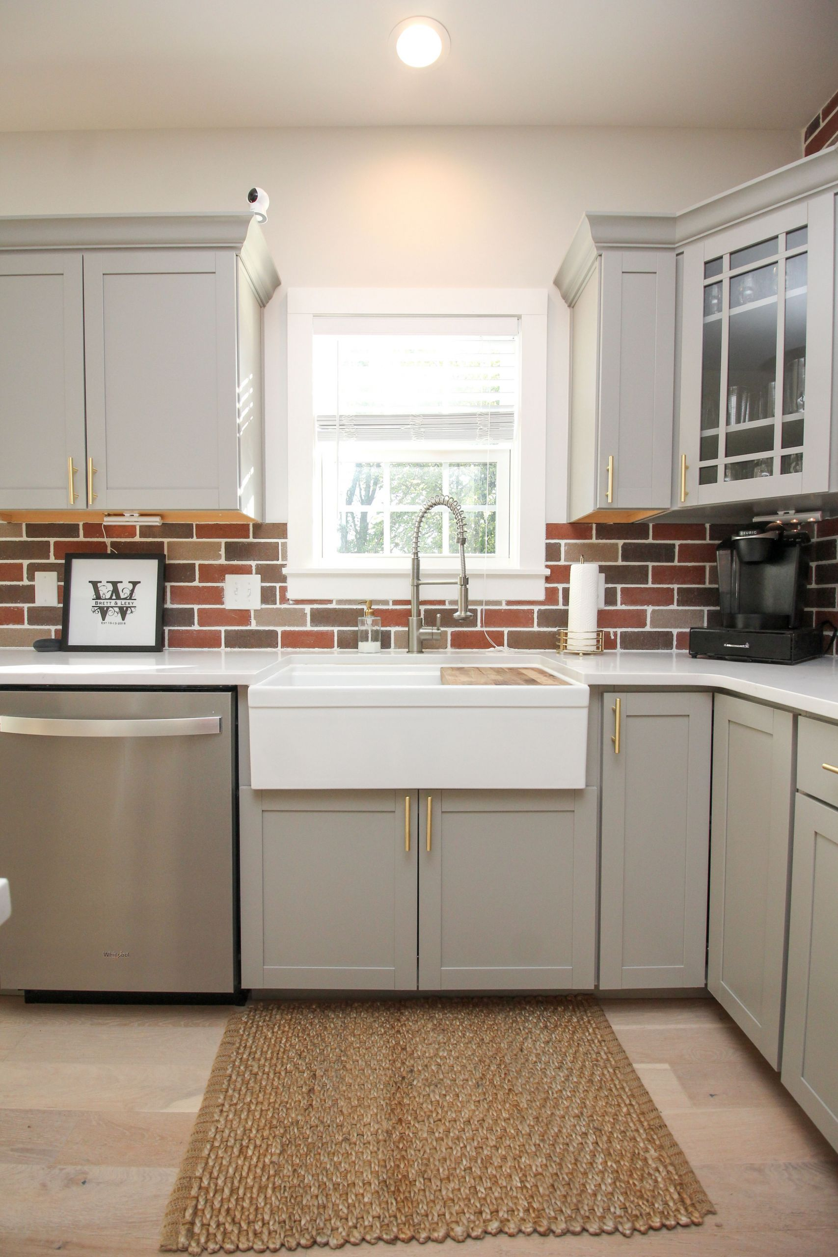 Kitchen with Brick Backsplash Luxury Farmhouse Kitchen Sink with Brick Backsplash Stainless