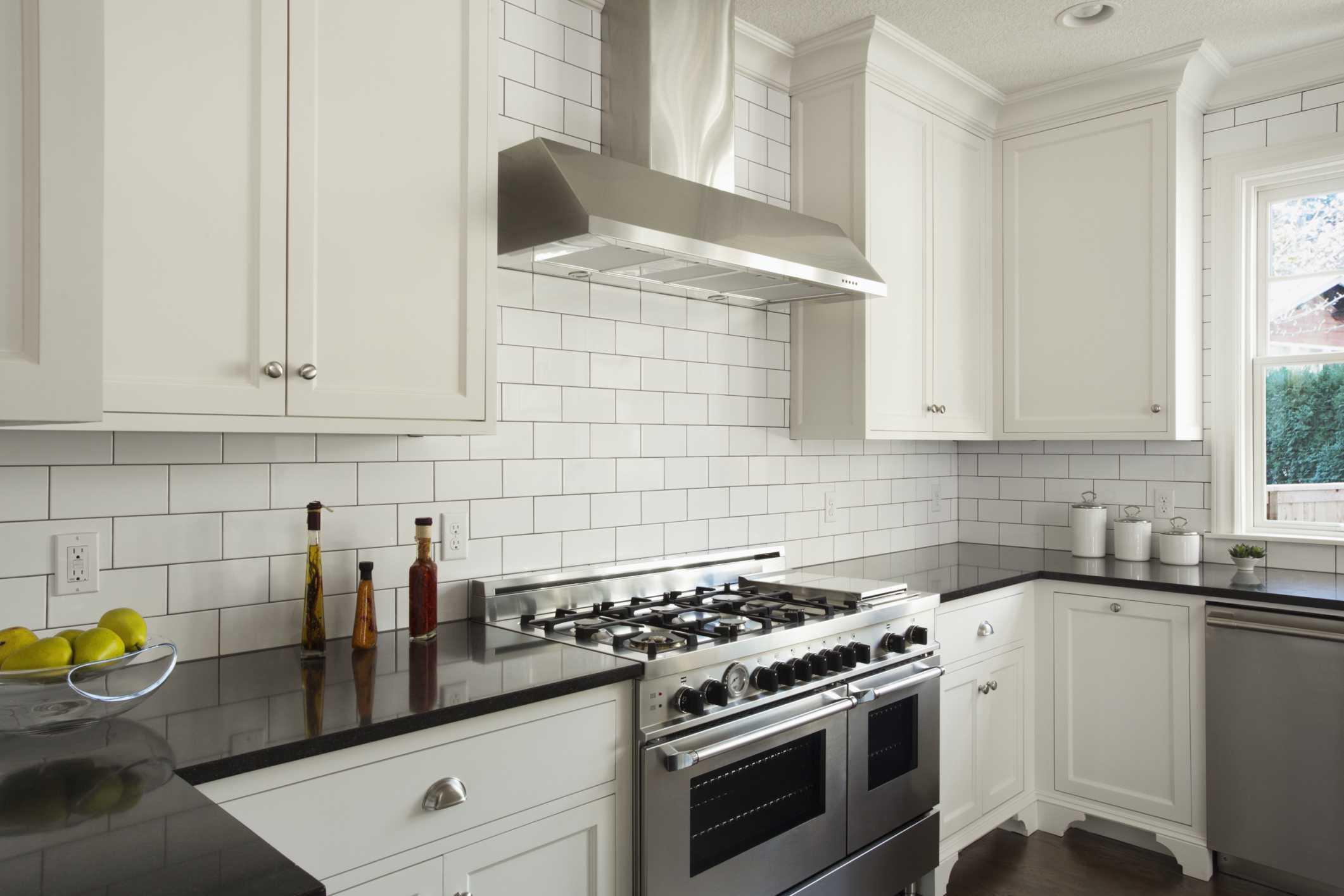 Modern Kitchen With White Subway Tile 56a49fe65f9b58b7d0d7e2d4