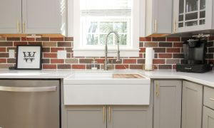 54 Lovely White Kitchen Brick Backsplash