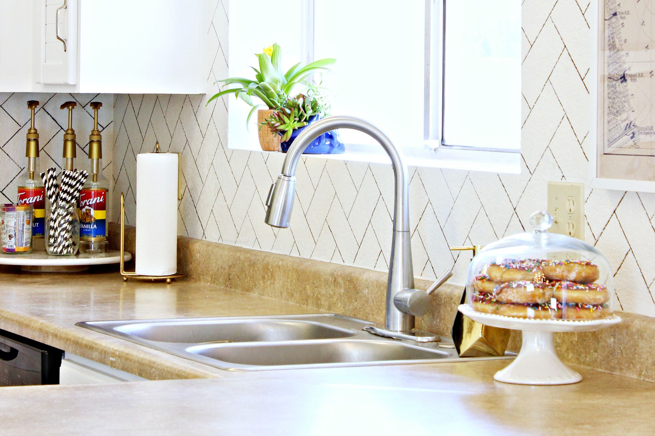 2 Sharpie Herringbone kitchen backsplash cc 5929dda45f9b