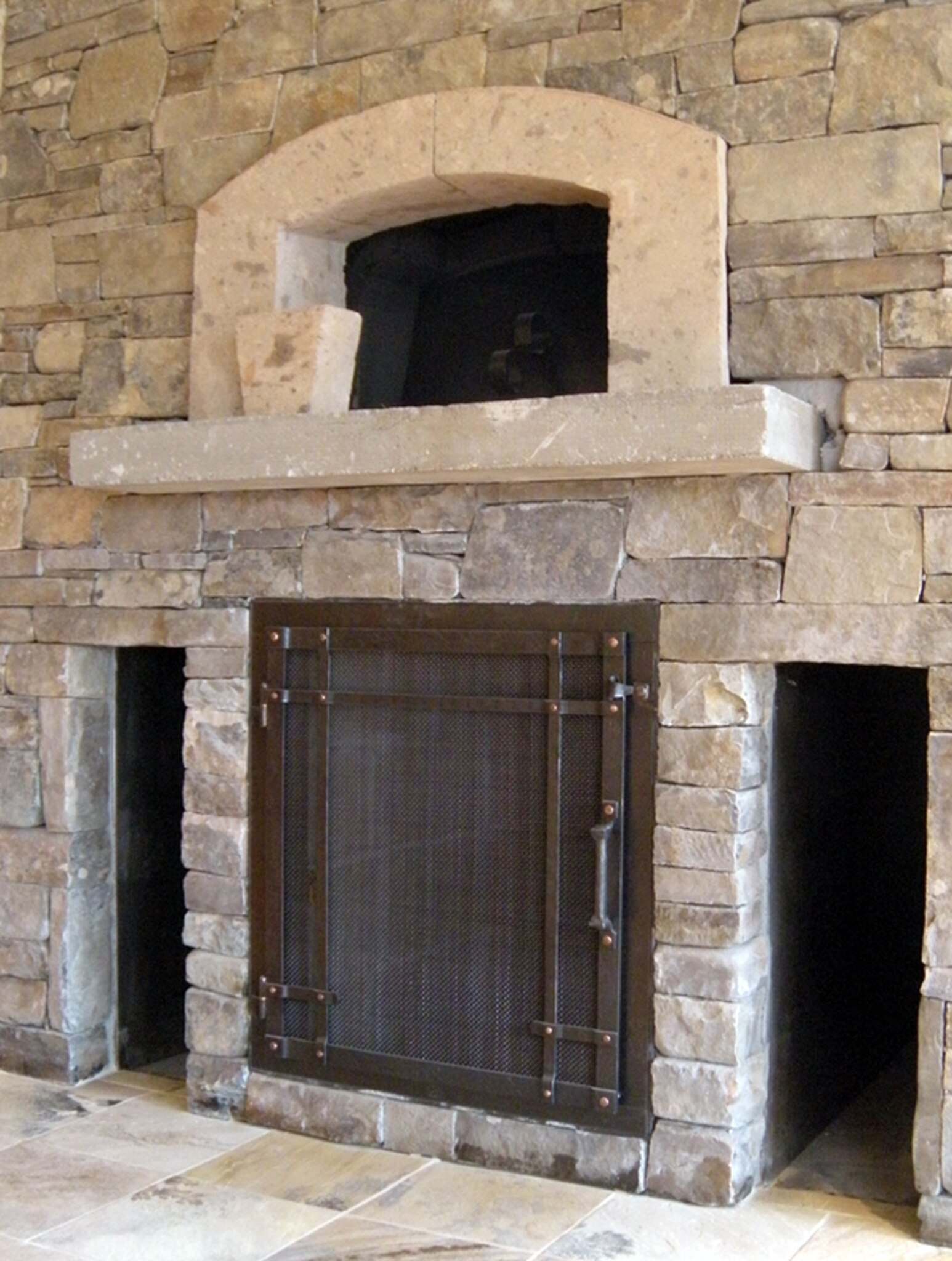 6fireplace doors with oven