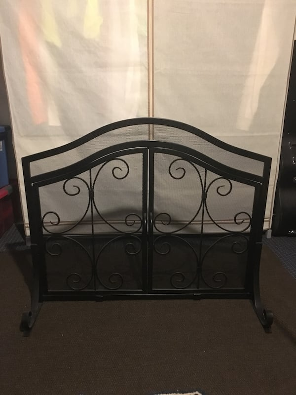 wrought iron fireplace screen bc93bf4d 23aa 49cd b490 3fd1ef90b35a