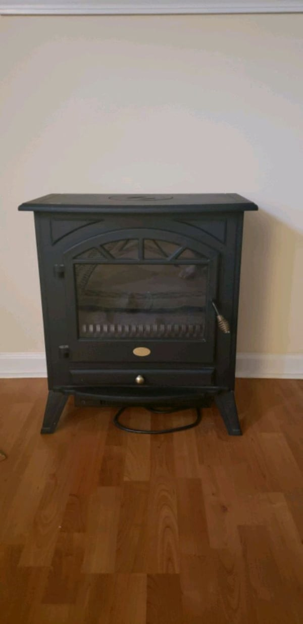 charmglow pact free standing electric fireplace black finish 6c06a184 44f7 4541 a7ce 3ced41daea4e